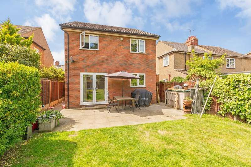 4 Bedrooms Detached House for sale in Foster Road, Kempston, Bedford, MK42 8BT
