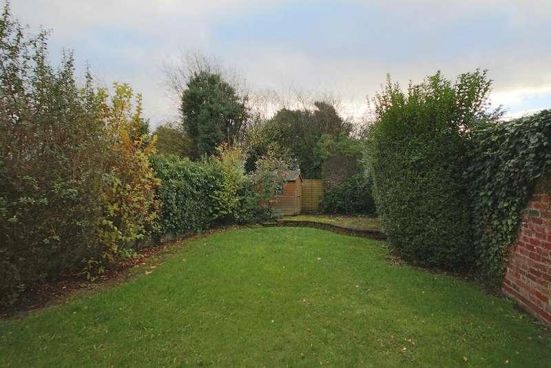 3 Bedrooms Semi Detached House for sale in Cop Lane, Penwortham