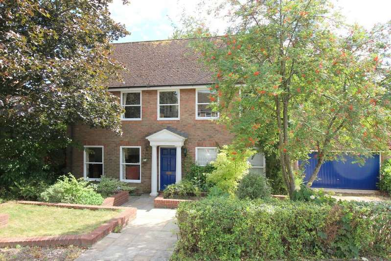 4 Bedrooms Detached House for sale in Shepherds Down, Alresford