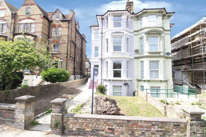 5 Bedrooms Semi Detached House for sale in Connaught Road, Folkestone, Kent CT20 1DA