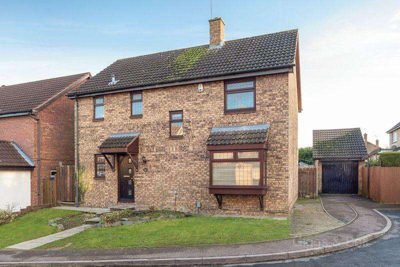 4 Bedrooms Detached House for sale in Fully refurbished property in Barton Hills
