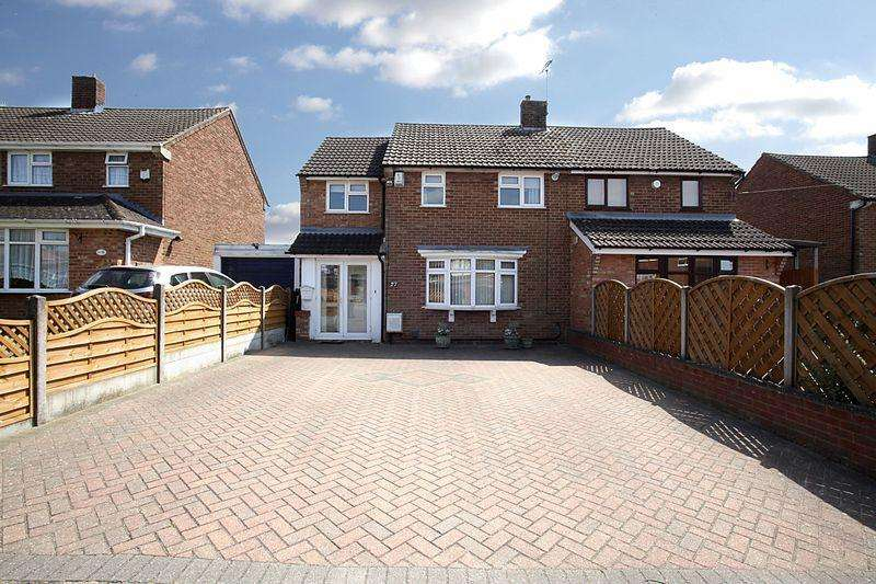 3 Bedrooms Semi Detached House for sale in ***Family Friendly Location***