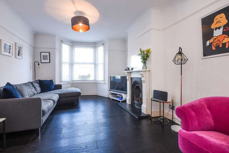 4 Bedrooms Terraced House for sale in Brookmill Road London SE8