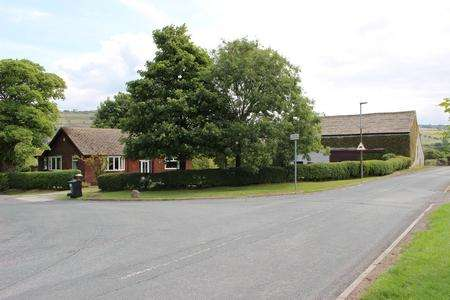 2 Bedrooms Detached Bungalow for sale in Higher Grimshaw Farm, Johnson Road, Eccleshill, Darwen, Blackburn, Lancashire BB3 3PE