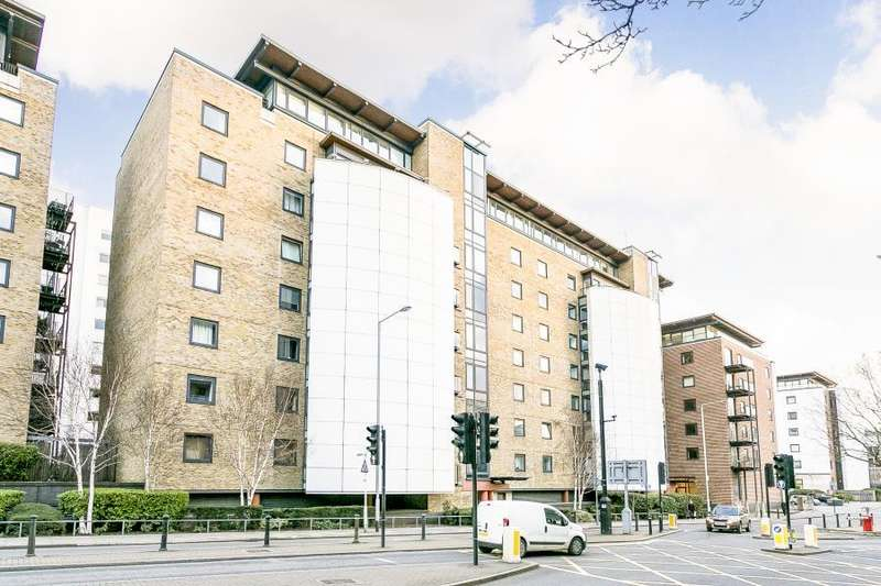 1 Bedroom Flat for sale in Berglen Court Branch Road E14