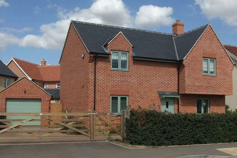 4 Bedrooms Property for sale in Lodge Road, Bedford