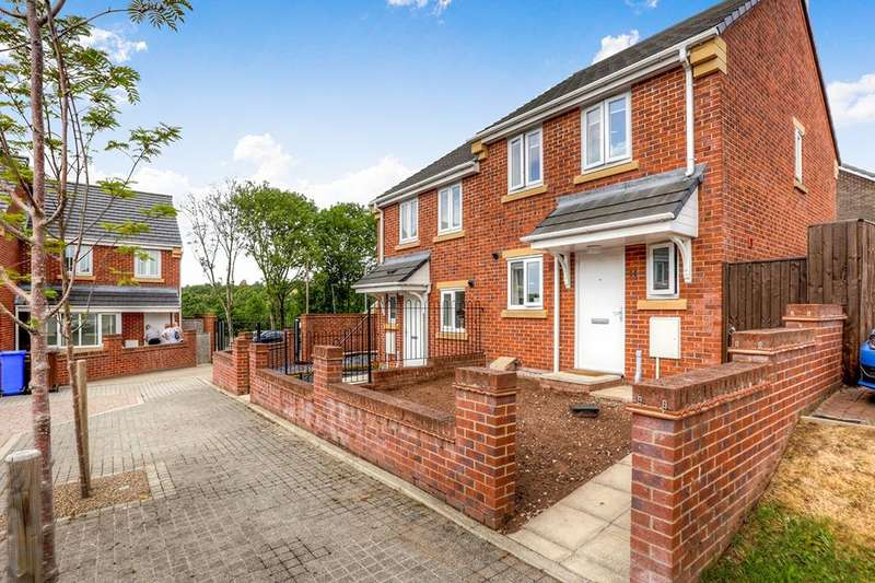 2 Bedrooms Semi Detached House for sale in Bridestowe Avenue, Hyde, SK14