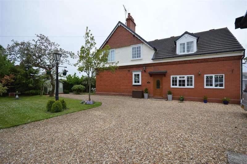 3 Bedrooms Detached House for sale in Badgers Rake Lane, Ledsham, Ellesmere Port