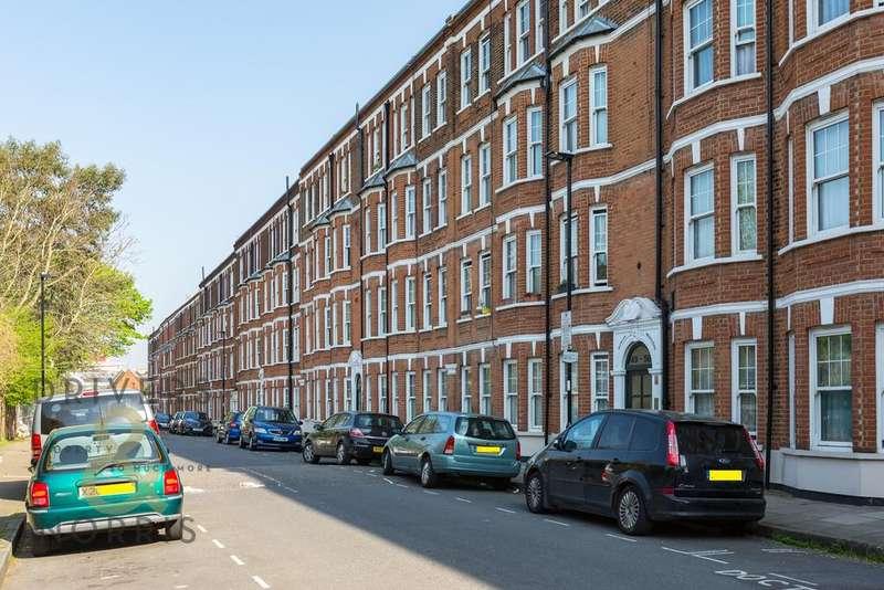 3 Bedrooms Apartment Flat for sale in Morgan Mansions, Morgan Road, London, N7