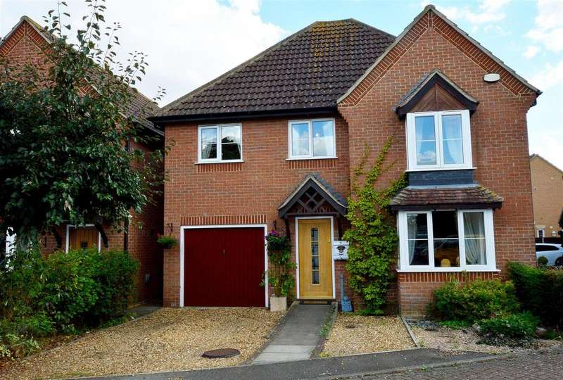 4 Bedrooms Detached House for sale in Waterfall Gardens, Newborough, Peterborough