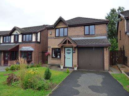 4 Bedrooms Detached House for sale in Buttercross Close, Burnley, Lancashire