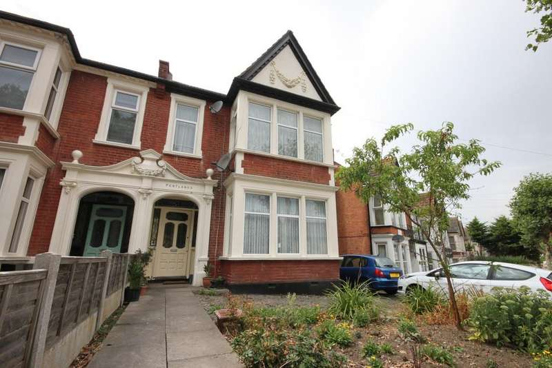 5 Bedrooms Semi Detached House for sale in Boston Avenue, Southend-on-Sea