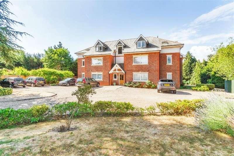 2 Bedrooms Flat for sale in Cedar Court, 60 Lawn Close, Datchet, Berkshire