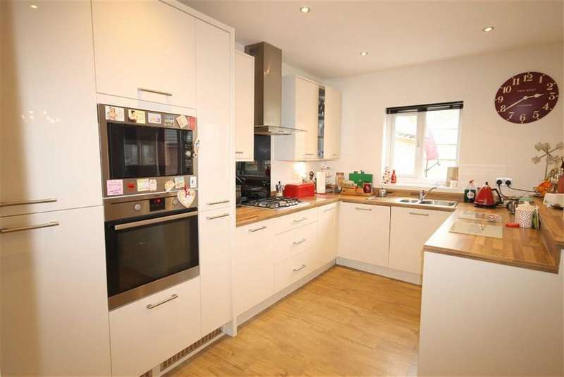 4 Bedrooms Detached House for sale in Highfield Rise, Trelewis, Treharris