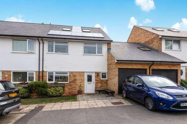 5 Bedrooms Semi Detached House for sale in Riverdene, Basingstoke, Hampshire