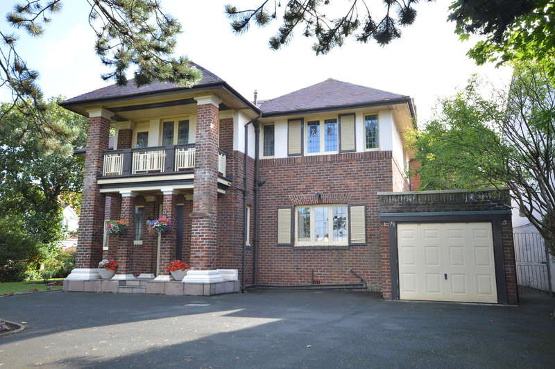 4 Bedrooms Detached House for sale in Lytham Road, South Shore