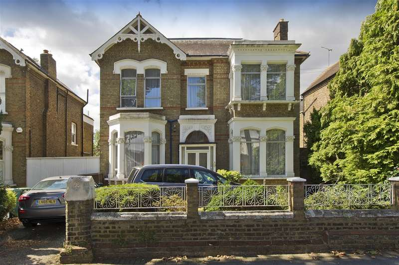 6 Bedrooms Detached House for sale in Rosemont Road, Acton