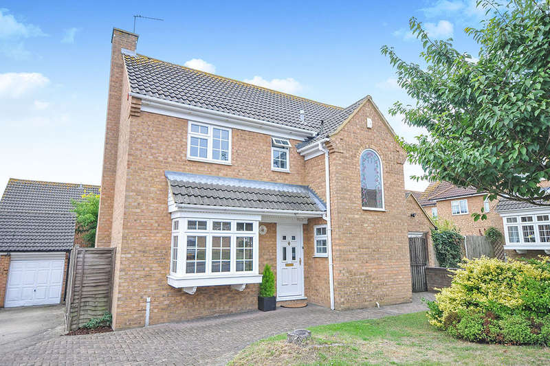 4 Bedrooms Detached House for sale in Dawson Drive, Hextable, Swanley, BR8