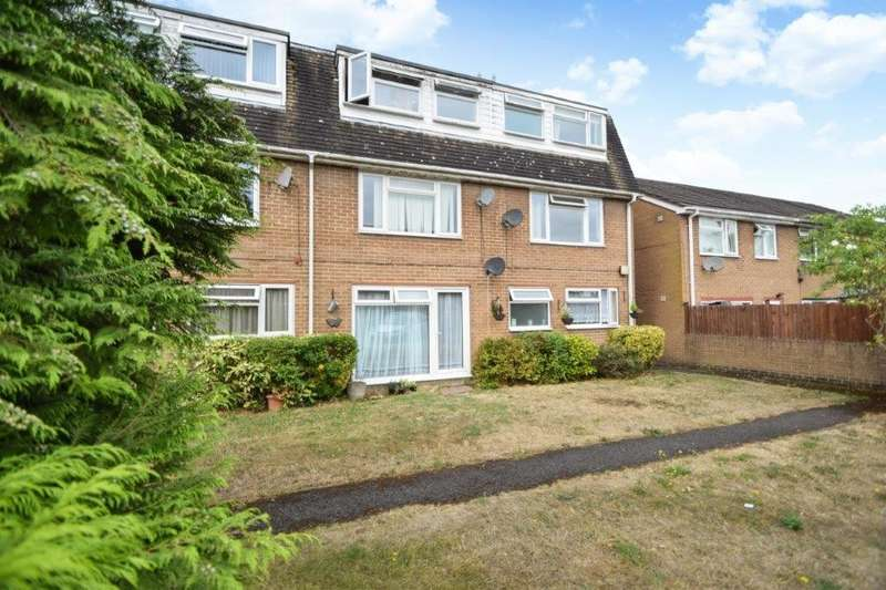 2 Bedrooms Maisonette Flat for sale in Ridgebank, Cippenham, SL1