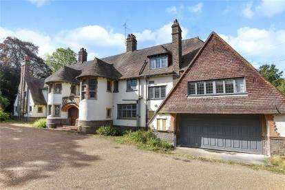 6 Bedrooms Detached House for sale in Shirley Church Road, Shirley, Croydon