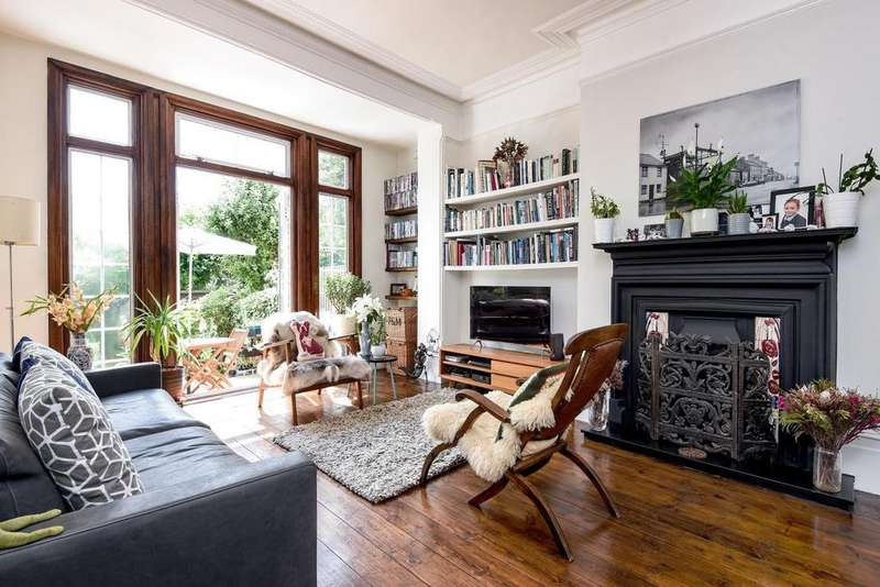 2 Bedrooms Flat for sale in Ballards Lane, North Finchley