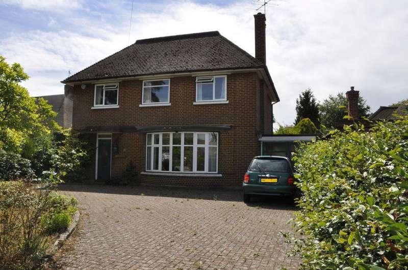 3 Bedrooms Detached House for sale in Hawkshead Road, Potters Bar, EN6