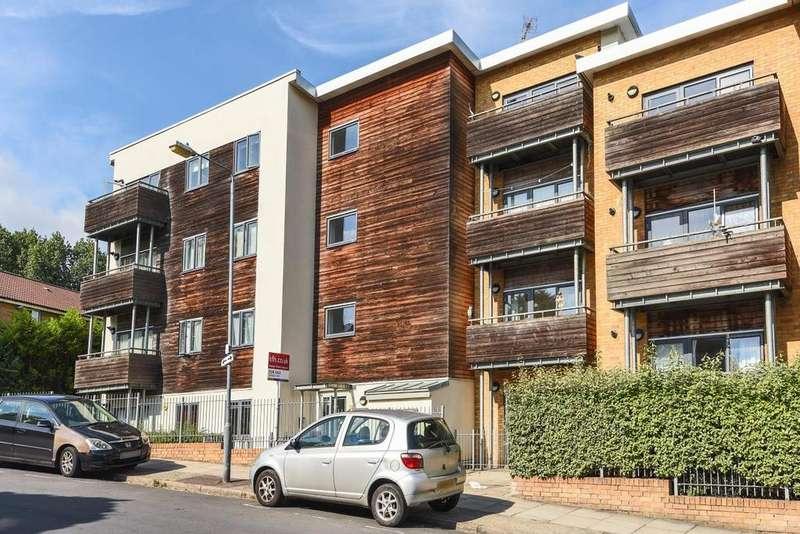 2 Bedrooms Flat for sale in Bramhope Lane, Charlton