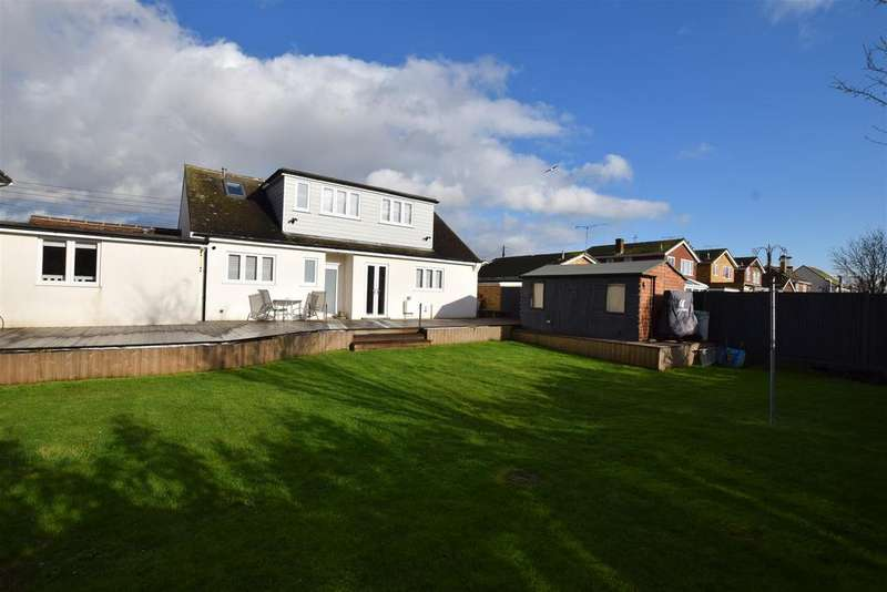3 Bedrooms Chalet House for sale in Canvey Island