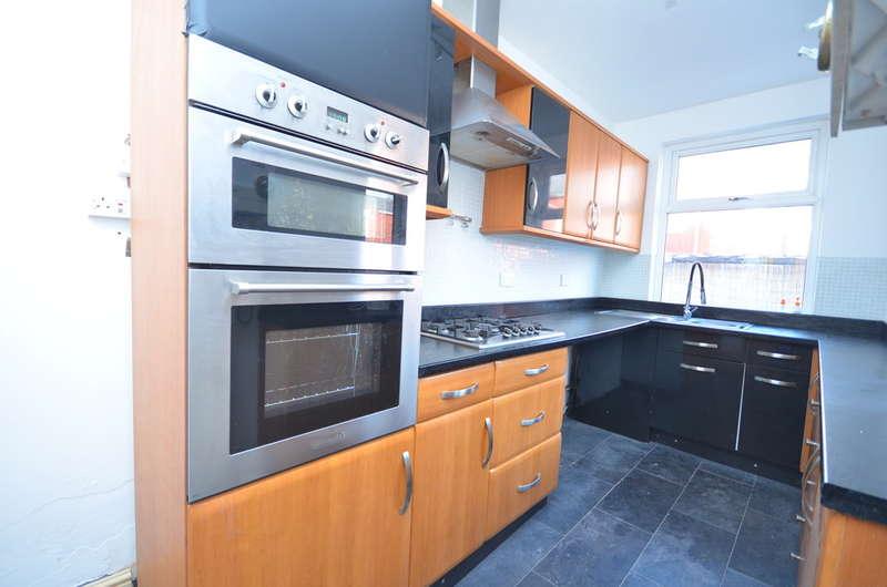 3 Bedrooms Terraced House for sale in Nice 3 Bed House, Sandon Street, Darwen