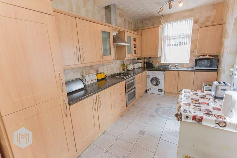 3 Bedrooms Terraced House for sale in Hulton Lane, Bolton, BL3