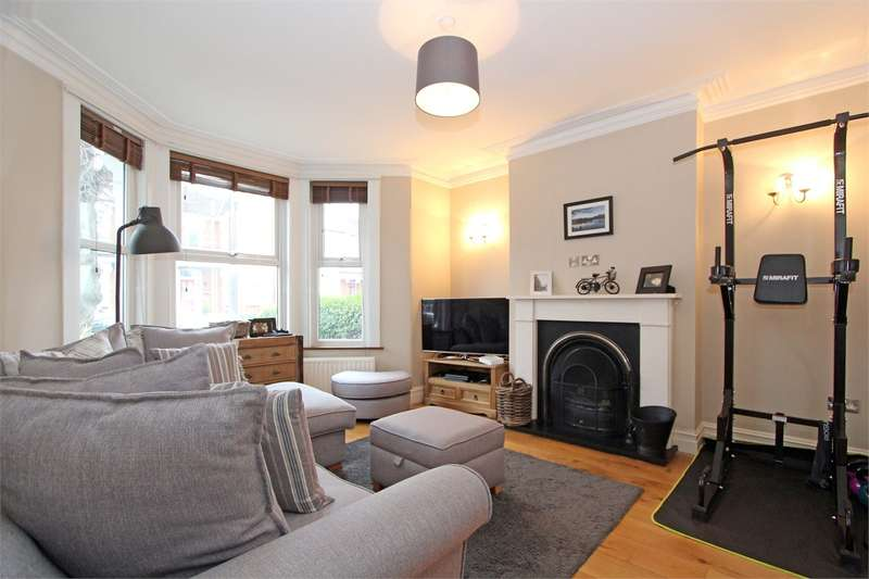 4 Bedrooms Terraced House for sale in Maidstone Road, Bounds Green, London