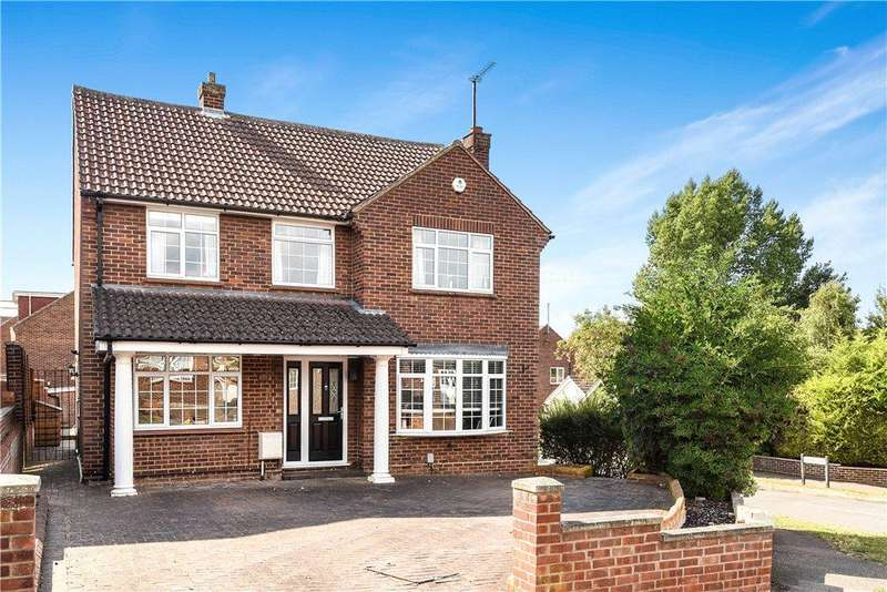 4 Bedrooms Detached House for sale in Trevor Drive, Bromham, Bedfordshire