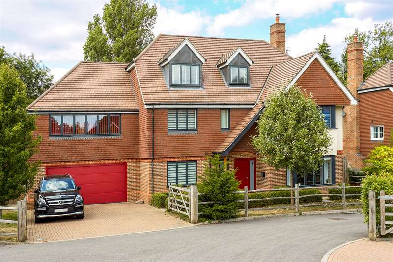 5 Bedrooms Detached House for sale in Wraylands Drive, Reigate, Surrey, RH2