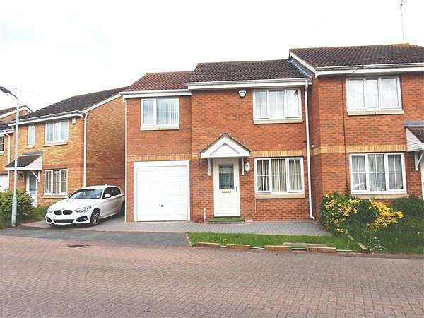 3 Bedrooms Semi Detached House for sale in Formby Close, Langley, SL3