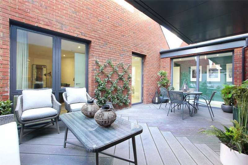 4 Bedrooms Flat for sale in Streatham Hill, Streatham, London, SW2