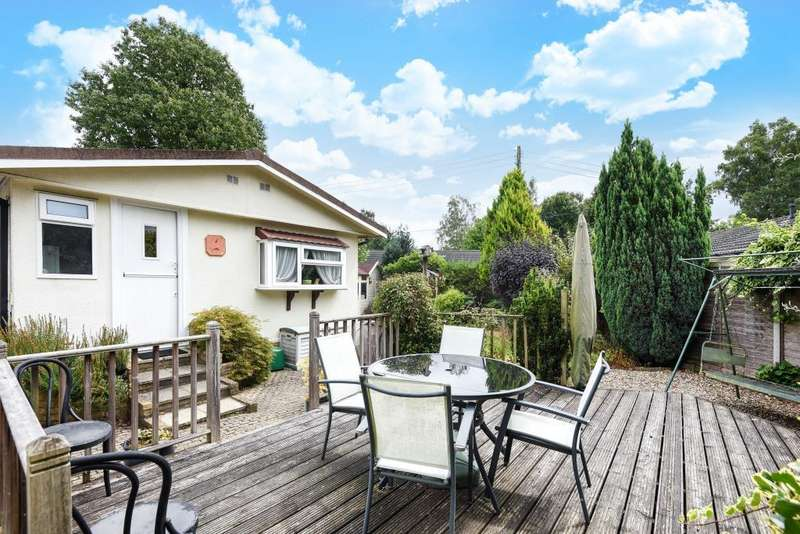 2 Bedrooms Detached Bungalow for sale in Bracknell, Berkshire, RG42