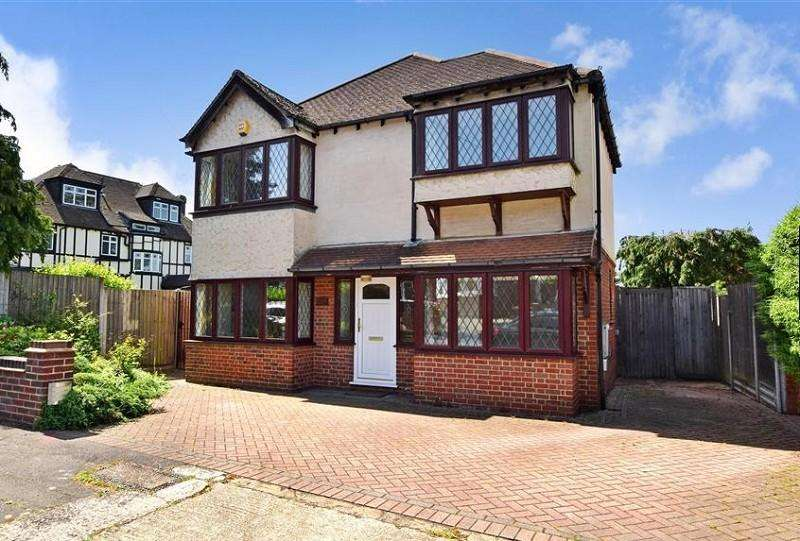 4 Bedrooms Detached House for sale in Nesta Road, Woodford Green, Essex, IG8