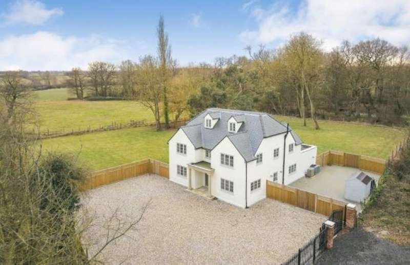 6 Bedrooms Detached House for sale in New Barns Cottages, Pensons Lane, Ongar, Essex, CM5 9GW