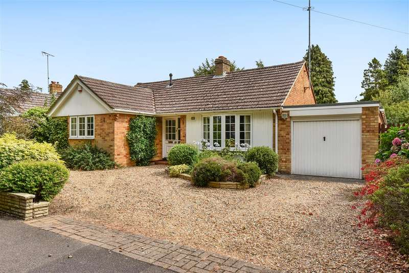 3 Bedrooms Bungalow for sale in Finchampstead Road, Finchampstead, Wokingham