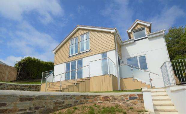 4 Bedrooms Detached House for sale in South View Close, Plymouth, Devon