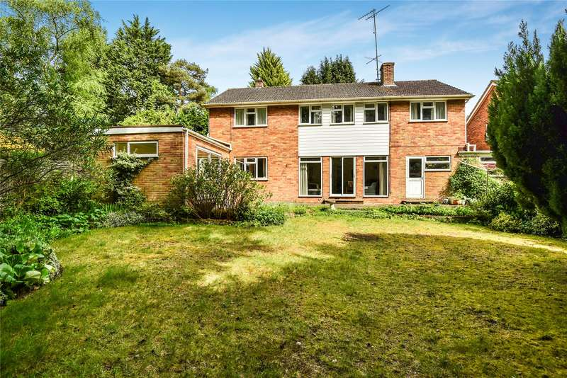 4 Bedrooms Detached House for sale in Robin Lane, Sandhurst, Berkshire, GU47