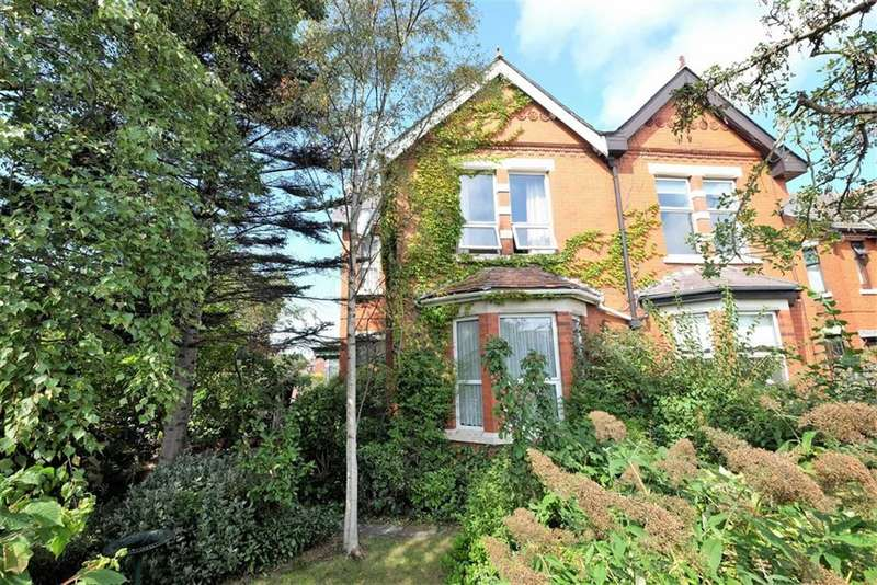 4 Bedrooms Semi Detached House for sale in Preston Road, Lytham