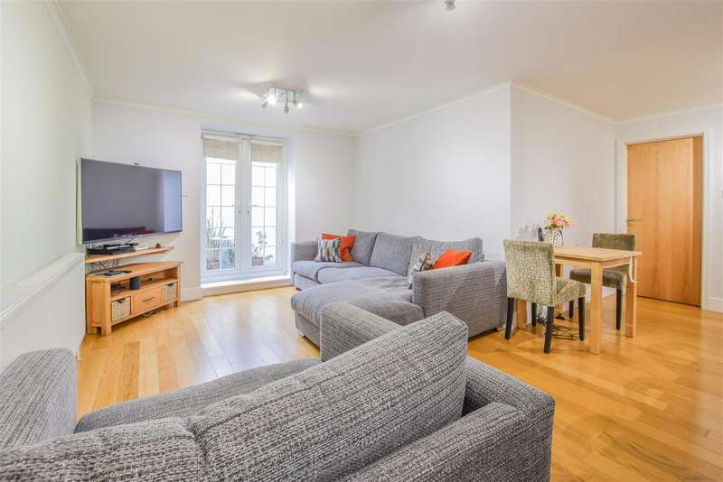 2 Bedrooms Apartment Flat for sale in Isabel Court, Hoddesdon