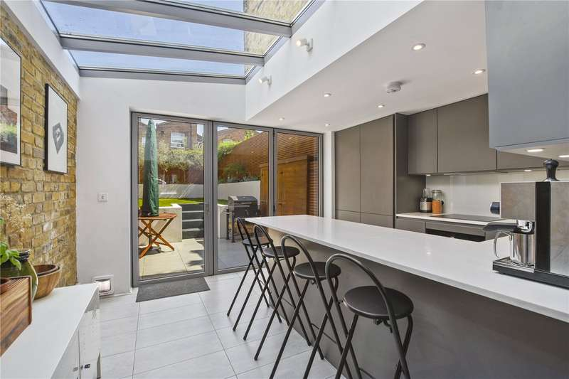 3 Bedrooms House for sale in Driffield Road, Bow, London, E3