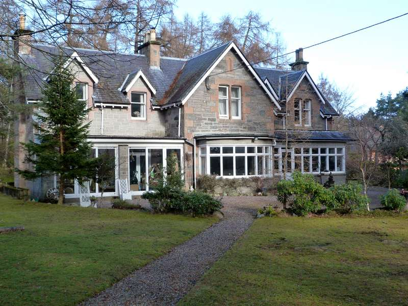 4 Bedrooms Detached House for sale in Newtonmore, PH20 1DS