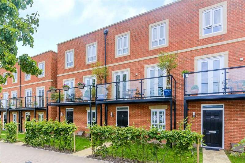4 Bedrooms House for sale in Racecourse Road, Newbury, Berkshire, RG14