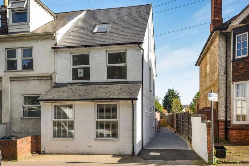 2 Bedrooms Maisonette Flat for sale in 45 London Road, Wokingham, RG40