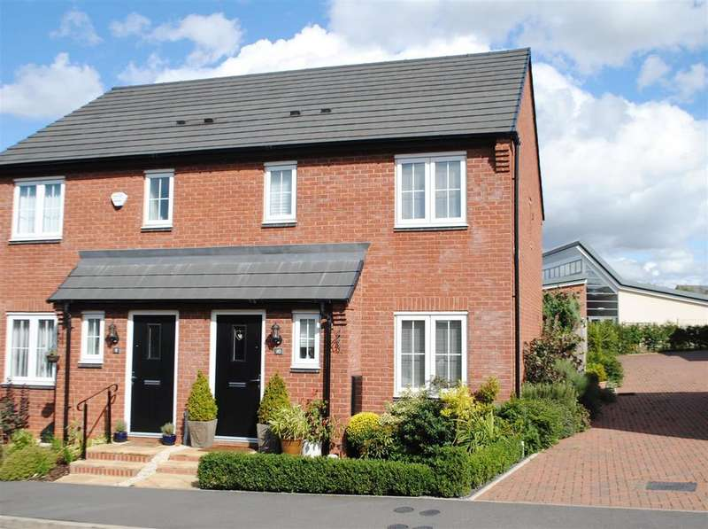 3 Bedrooms Semi Detached House for sale in Burrow Drive, Rothley, Leicester