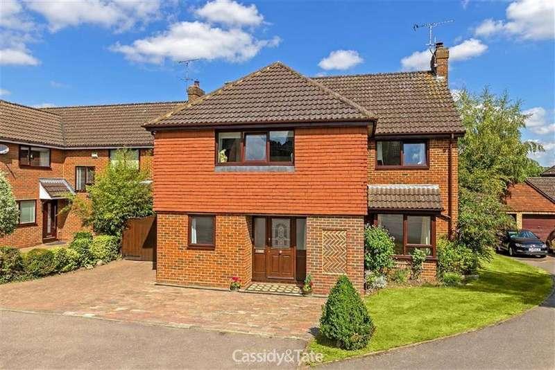 5 Bedrooms Detached House for sale in Ridgewood Gardens, Harpenden, Hertfordshire