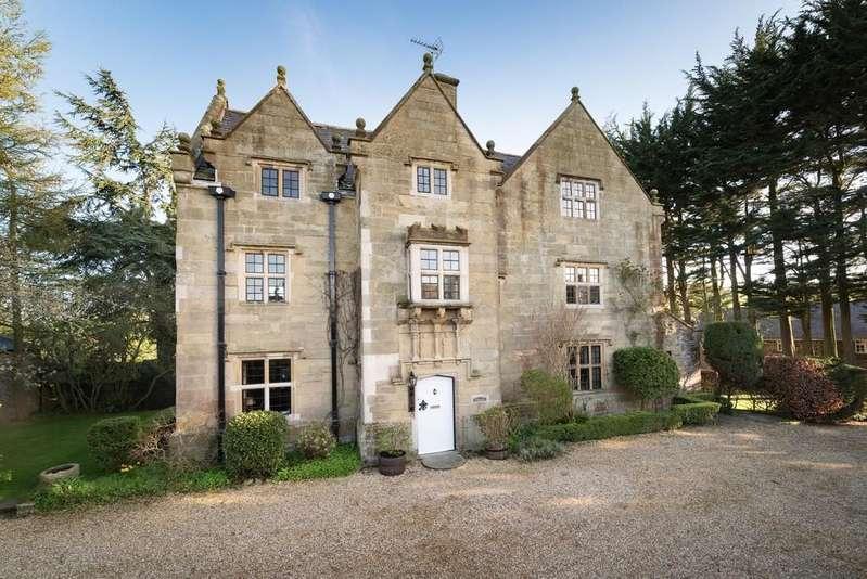 5 Bedrooms Detached House for sale in Llanasa, Flintshire